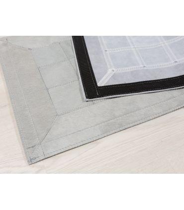 Alfombra Light Grey. Cuadros 10x10 cm. Con Cenefa.