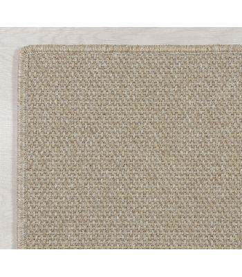 Borde Festón de color a juego de base de alfombra.