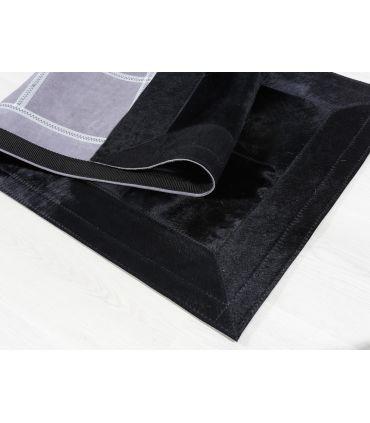 Alfombra Patchwork Negro. Cuadros 20x20 cm. Cenefa 10 cm.