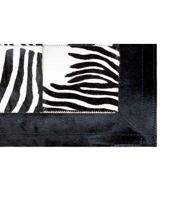 Alfombra Cebra. Cuadros 30x30 cm. Con cenefa.